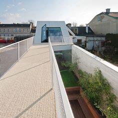 caramel architekten fits CJ5 house onto narrow site in vienna