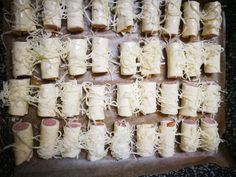 Gyors vacsi, a tésztát töltsd meg virslivel, tekerd fel, szórd meg sajttal és már készül is! - Ketkes.com Ballet Shoes, Dance Shoes, Marvel, Food, Ballet Flats, Dancing Shoes, Ballet Heels, Meals, Ballet Flat