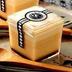 江戸流行婦凛 Cake Boxes Packaging, Salad Packaging, Baking Packaging, Jar Packaging, Dessert Packaging, Food Packaging Design, Dessert Boxes, Dessert Cups, Caramel Pudding