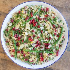 Jewelled Quinoa Salad with Lemon Tahini Dressing Deliciously Ella Deliciously Ella Recipes, Salade Healthy, Clean Recipes, Cooking Recipes, Holi, Lemon Tahini Dressing, Quinoa Salat, Vegetarian Recipes, Healthy Recipes