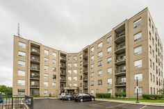 Check out the virtual tour of this amazing property at 3497 Upper Middle Road. Contact Karen Paul to schedule a viewing or for any questions you may have! Virtual Tour, Home Buying, Ontario, Condo, New Homes, Middle, Real Estate, Tours, Bedroom