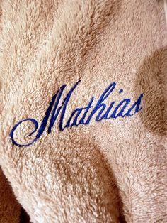 Broderie avec le prénom MATHIAS (2)