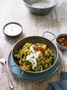 The ultimate easy one-pot meal, this Chicken Biryani recipe from the BBC series Eat Well For Less is a healthy, cost effective alternative to a take-away. Chicken Byriani Recipe, Chicken Recipes, Chicken Rice, Indian Food Recipes, New Recipes, Healthy Recipes, Healthy Food, Yummy Food, Rice Recipes
