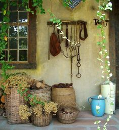 cestas mimbre jardines rusticos