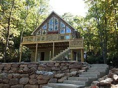 Lake Harmony Lodge / Spacious 6 Bedrooms / 3 Baths / View of the Lake Bluetooth Wireless Music Pandora, Spotify, and I Heart Radio (You can connect your Bluetooth device or use ours) Netflix on three televisions with ...