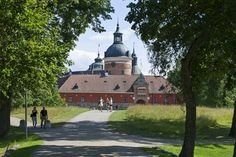 Los palacios reales de Magdalena de Suecia y su familia Casa Real, Magdalena, Taj Mahal, Building, Travel, Medieval Town, Outdoors, Gothenburg, Europe