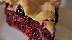 Lebensmittelfotografie: Blackberry Pie I I - Food Recipes - Torten Blackberry Pie Fillings, Blackberry Pie Recipes, My Recipes, Holiday Recipes, Dessert Recipes, Cooking Recipes, Pastries Recipes, Dishes Recipes, Holiday Foods