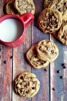 The Best Chewy Café-Style Chocolate Chip Cookies.