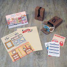 Parte del contenido de una Baby MyRetrobox (cápsula del tiempo para bebés): un sobre para guardar monedas, sellos y material variado de la localidad del bebé, una ficha para rellenar con los datos más importantes del nacimiento, una lámina para plasmar sus huellas, un calendario del año de nacimiento, una cajita para guardar algún objeto importante del bebé, y una pegatina para precintar la capsula del tiempo una vez esté listo su contenido. #caja #recuerdos #bebe