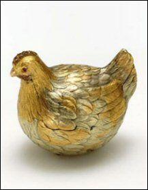 1885, first hen egg/ Gift Alexander III aan Maria Feodorovna ( Bron Miek's Fabergé)