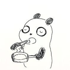 【一日一大熊猫】2017.10.16 食事を自炊すると雑だ。 作り方も雑だし、作りながら食べてしまうから 食べ方も雑だ。 とても苦手だけど、食についてもっと考えて楽しくいただく事を考えようと思うよ。 #パンダ #食