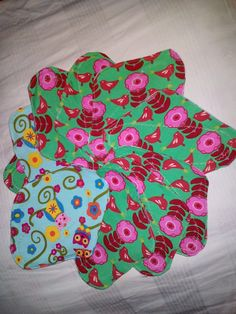 Biopamut tisztaságibetét szett Sewing Baby Clothes, Baby Rompers, Diapers, Tree Skirts, Christmas Tree, Swimming, Holiday Decor, Baby Overalls, Teal Christmas Tree