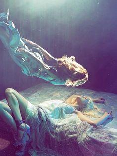Underwater | Fashion | Photography