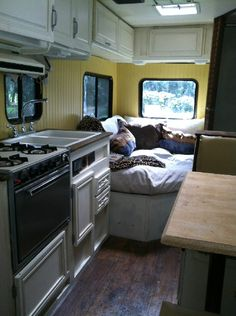 homesweetrv.com Class C motorhome (RV) remodel. Pottery Barn look.