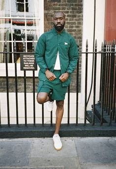 Patta Continues the Revival With Dedicated Tracksuit Collection Men's Fashion, Best Mens Fashion, Mens Fashion Suits, Urban Fashion, Winter Fashion, Black Eyed Peas, Dressing, Look Cool, Menswear