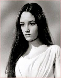 """Olivia Hussey portrays the character of Juliet Capulet in the 1968 movie verion of """"Romeo and Juliet"""". Olivia Hussey, Zeffirelli Romeo And Juliet, Cry Like A Baby, Becoming An Actress, Beauty And Fashion, William Shakespeare, Classic Beauty, Beautiful Actresses, Old Hollywood"""