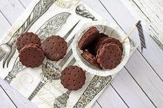 Tündérsüti: Csokis töltött keksz Pavlova, Nap, Minden, Hot Chocolate, Biscuits, Candy, Cookies, Desserts, Food