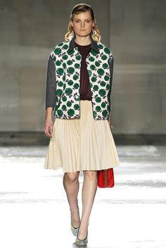 Prada Spring 2012 Ready-to-Wear Fashion Show - Guinevere Van Seenus