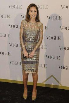 El estilo único de Isabel Preysler: fotos de los looks - Isabel Preysler con vestido dorado
