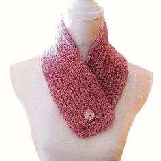 Tour de cou, snood, col, crocheté main dans un fil de laine mélangée d'acrylique, vieux rose. Bonnets, Pulls, Tour, Creations, Textiles, Accessories, Fashion, Gloves, Wool