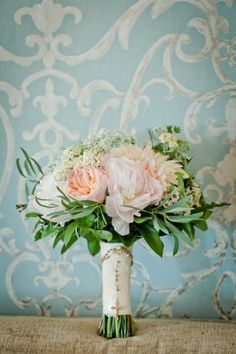Absolutely gorgeous #weddingbouquet!
