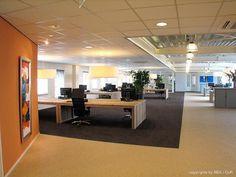 Open ruimte met visuele structuren dmv kleuren en materialen