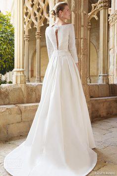 Raimon bundo de mariée robe de mariée à manches longues bateau décolleté 2015 maxime jupe plissée serrure vue de dos
