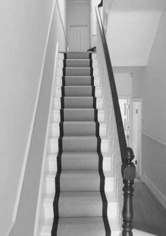 Carpet Runners Over Carpeted Stairs schwarz schwar Stairs Makeover Carpet Carpeted Runners schwar Schwarz Stairs Treppe House Stairs, Carpet Stairs, Hall Carpet, Stairs With Grey Carpet, Stairs With Carpet Runner, Staircase Runner, Black Stair Railing, Black And White Stairs, Grey Hallway