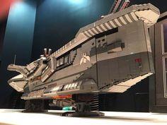 The Hiigaran Destroyer Starship Built with LEGO Bricks Lego Spaceship, Lego Robot, Lego Man, Lego Mecha, Spaceship Design, Lego Ship, Lego Pictures, Amazing Lego Creations, All Lego