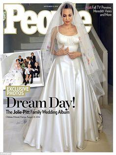 Pour son mariage, Angelina Jolie était en blanc (et en Atelier Versace) | Vanity Fair