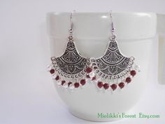 Chandelier earrings with Swarovski pearls. by MielikkisForest