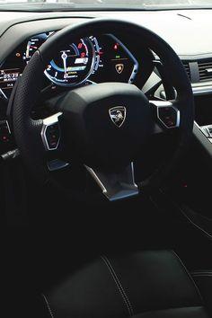 xglan: Lamborghini Aventador interior//xGlan//source