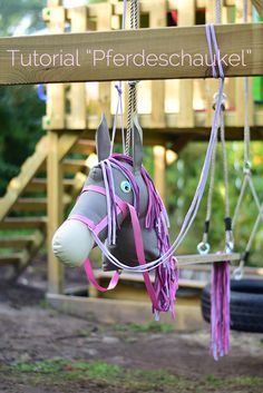Tutorial Horse Swing Build Your Own Sewing Horse Swing DIY Instructions horse swing building sewing Horse Swing, How To Build Steps, Wendy House, Diy Back To School, Backyard For Kids, Children's Place, Diy Toys, Diy Crafts For Kids, Kids Furniture