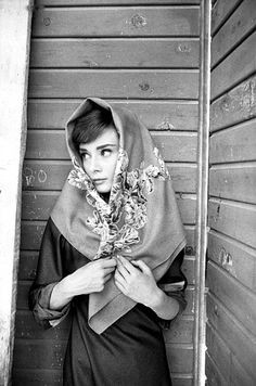 Audrey Hepburn looking adorable in a head scarf circa 1950s. Let's bring back…