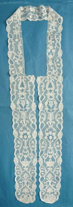 Bobbin lace Antique Lace, Vintage Lace, Lacemaking, Bobbin Lace, Wedding Veil, Brussels, Old And New, Belgium, Linens