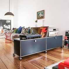 It takes two to tango. Fancy a dance? Or this super stylish anthracite grey USM Haller sideboard on wheels? Furniture, Rustic Furniture Plans, House Interior, Modern Furniture Living Room, Audio Room, Home And Living, Furniture Design, Living Room Leather, Modular Furniture