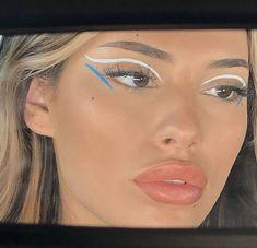 Cool Makeup Looks, Cute Makeup, Pretty Makeup, Eye Makeup Art, Skin Makeup, Beauty Makeup, Glowy Skin, Makeup Trends, Makeup Inspo