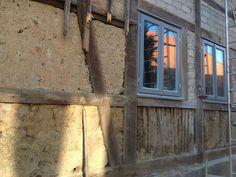 Decken und Wandverputzung mit Lehm und diverse Innenausbauarbeiten. : Lehmdeckenverputzung und Lehmsanierung für Decken und Wände, Holzarbeiten, Fliesenlegearbeiten und Badsanierung.