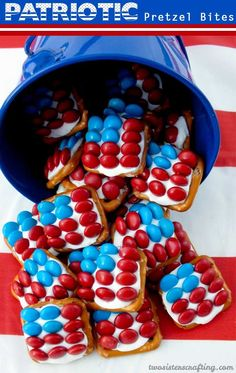 These fun Patriotic Pretzel Bites are the perfect dessert for a 4th of July Party or Memorial Day BBQ - so easy to make and so sweet, salty and delicious. For more fun 4th of July Food Ideas follow us at https://www.pinterest.com/2SistersCraft/
