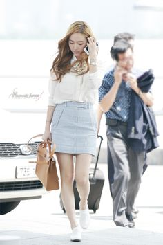 Idol with the best airport fashion of Some of my favorites: Jessica Sooyoung Qri TOP Kris Jia CL Krystal What about you guys? (Note: The outfits must be from Snsd Fashion, Asian Fashion, Girl Fashion, Girls Generation, Style Outfits, Casual Outfits, Jessica Jung Fashion, Korean Airport Fashion, Airport Style