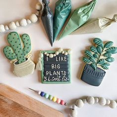 "J E S S I C A - cake & cookies on Instagram: ""The only green thumb I have is from mixing icing colors for this class! Who's EXCITED for this cookie class?! Please DM me if you have ANY…"" Royal Icing Cookies, Cake Cookies, Sugar Cookies, Icing Colors, Big Plants, Confetti, House Warming, Frost, Dessert"