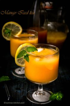 Easy 3 step mango iced tea recipe - Mango iced tea is a perfect, refreshing concoction of tea and mango, served with chilled ice cubes and a sprig of mint.