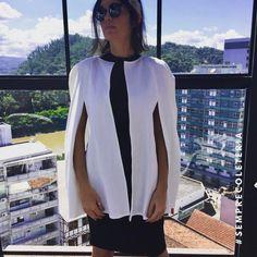 """58 curtidas, 1 comentários - coleteria ♡ (@coleteria) no Instagram: """"Nossa capa branca maravilhosaaaaa, últimas unidades, então correeee! 🏃🏻♀️ www.coleteria.com.br…"""""""