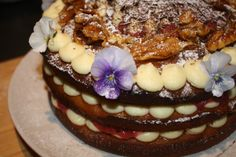 Spiced pumpkin cake with rhubarb jam, vanilla cream cheese and pecan praline. Spiced Pumpkin, Pumpkin Spice, Pecan Pralines, Vanilla Cream, Tart, Spices, Pudding, Cheese, Desserts