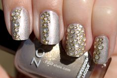 Looks like water droplets... great new year's nails...  bet this is pretty in pink!