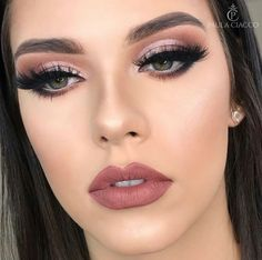 Amazing Wedding Makeup Tips – Makeup Design Ideas Cute Makeup, Glam Makeup, Gorgeous Makeup, Hair Makeup, Awesome Makeup, Fresh Wedding Makeup, Wedding Hair And Makeup, Makeup For Silver Dress, Wedding Nails