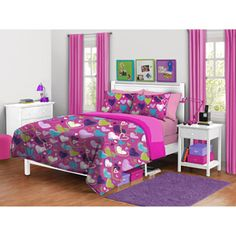 your zone pink hearts Reversible Comforter set