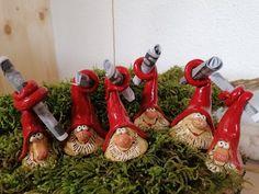 Christmas Art, Christmas Ornaments, Green Plants, Clay Crafts, Gnomes, Handicraft, Frost, Joy, Holiday Decor