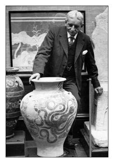 Sir Arthur Evans archaeologist  Knossos