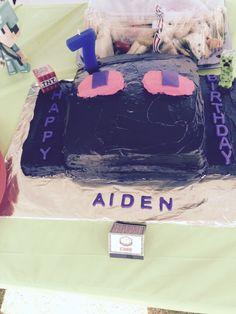 Enderman Minecraft cake
